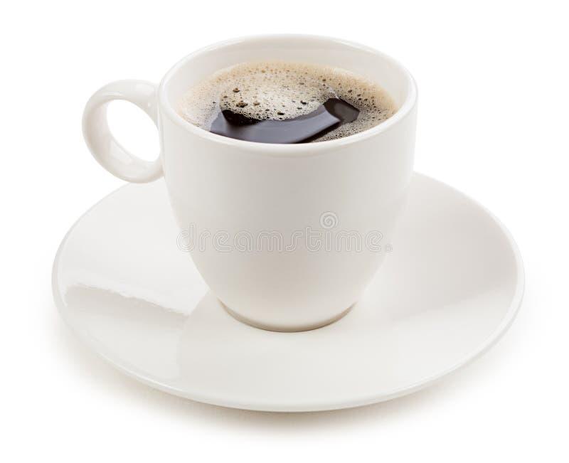 Café em um copo isolado no fundo branco foto de stock royalty free