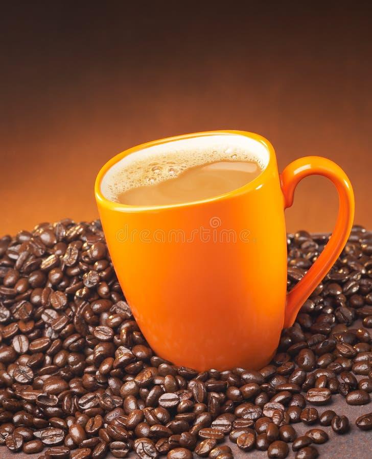 Café em uma caneca foto de stock royalty free