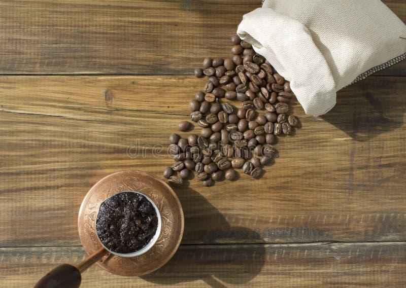 Café en cezve imagenes de archivo