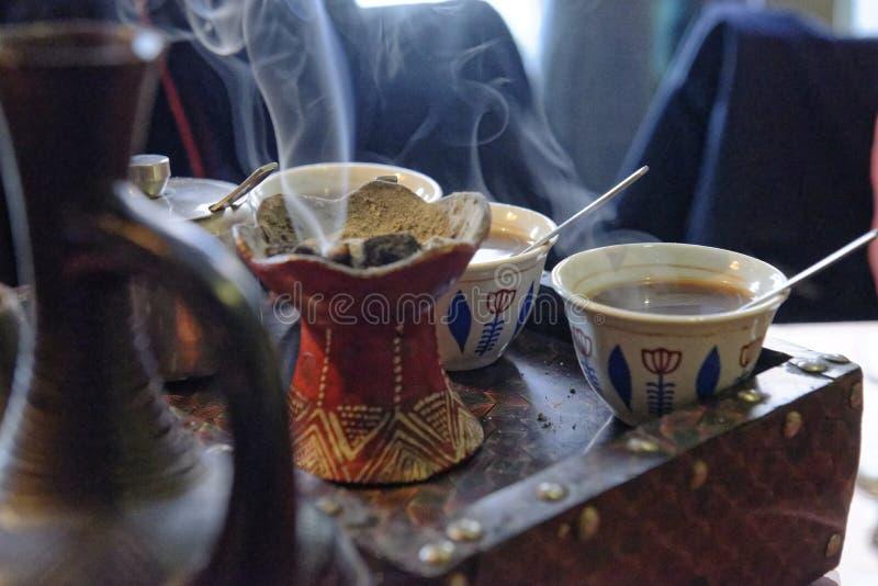 Café etíope recientemente preparado fotos de archivo