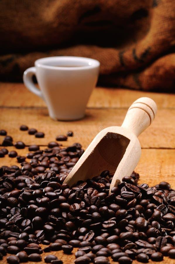 Download Café et graine de café image stock. Image du vieux, wooden - 45371349