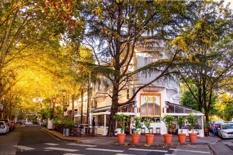 Café et maison Lucques de Restauran en villa Devoto, Buenos Aires photographie stock libre de droits