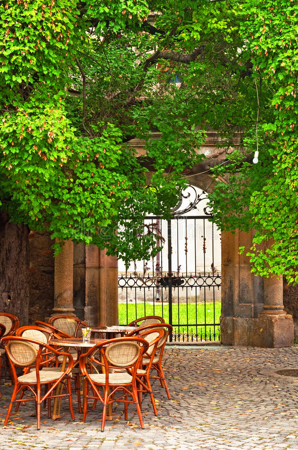 Café extérieur à l'été image libre de droits