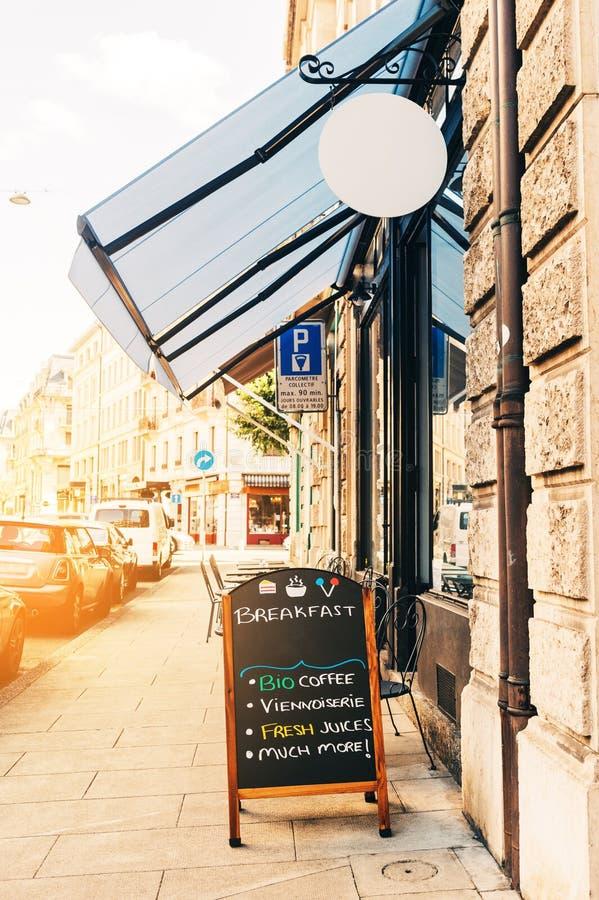 Café extérieur photos stock