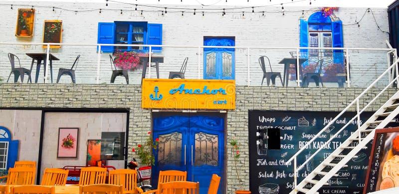 Café exterior em Dubai imagens de stock