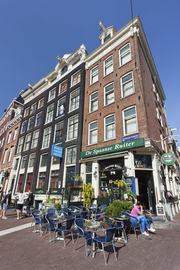 Café famoso na cidade velha de Amsterdão. fotografia de stock royalty free