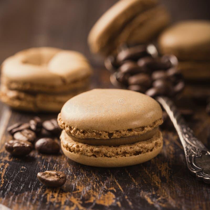 Café français Macarons images stock
