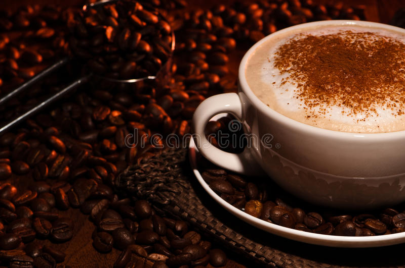 Café Frothy do Cappuccino fotos de stock royalty free