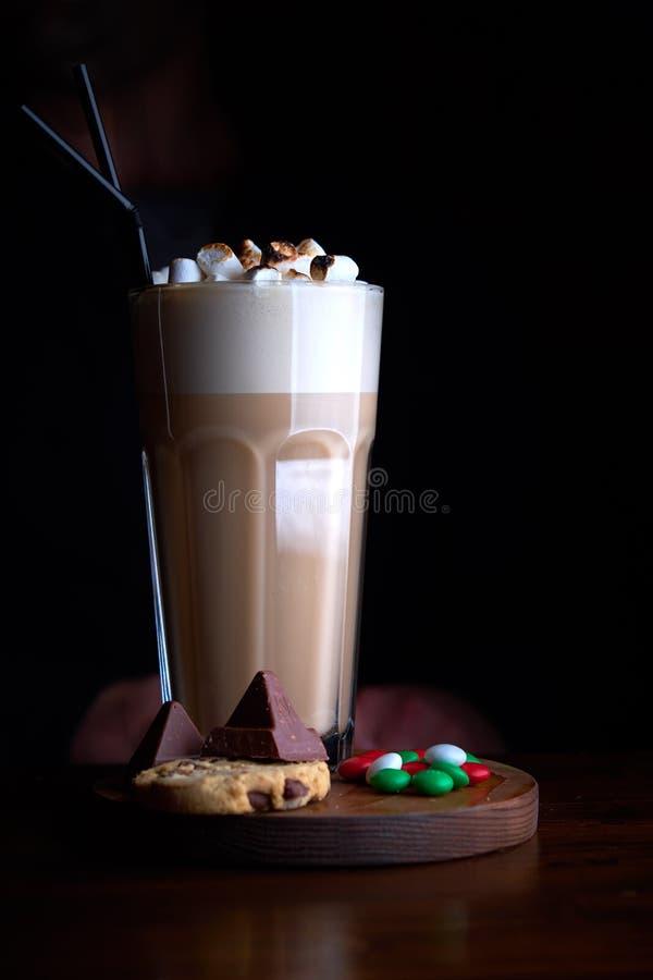 Café glacé avec la crème glacée de chocolat images stock