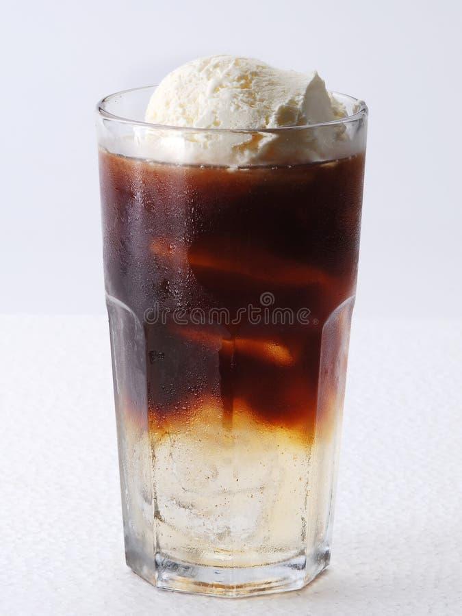 Café glacé avec le flotteur de vanille images stock