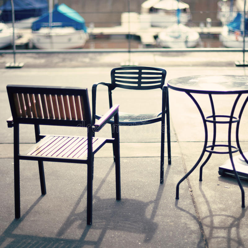 Café im Hafen stockbilder