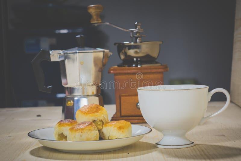 Café a la hora de la consumición imagen de archivo libre de regalías