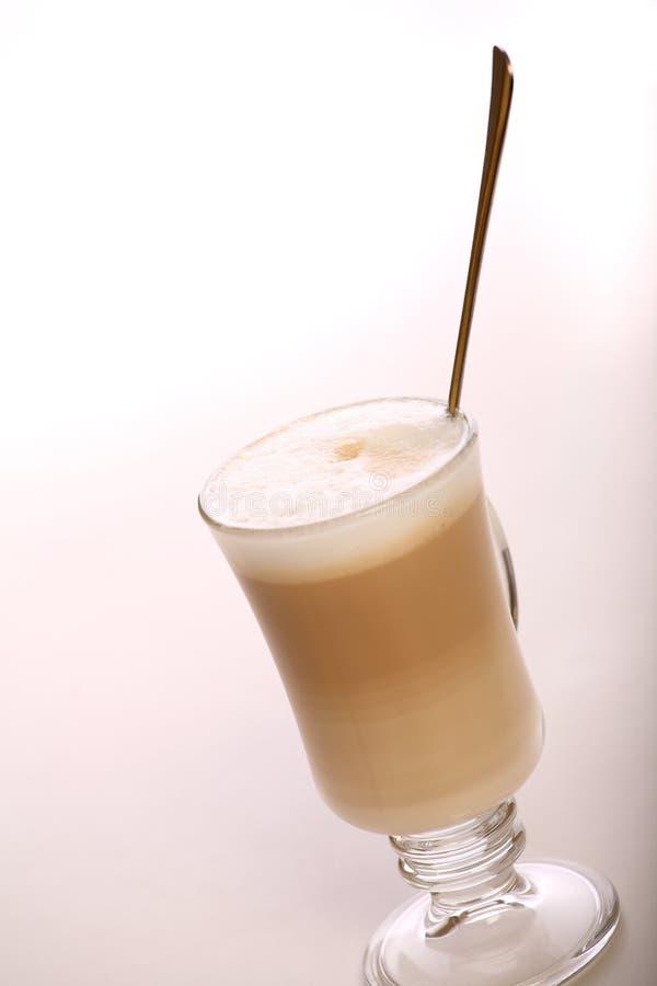 Café Latte de café dans une glace photo libre de droits