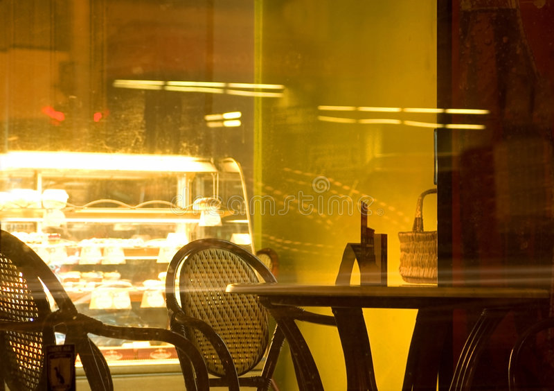 Café na noite foto de stock royalty free