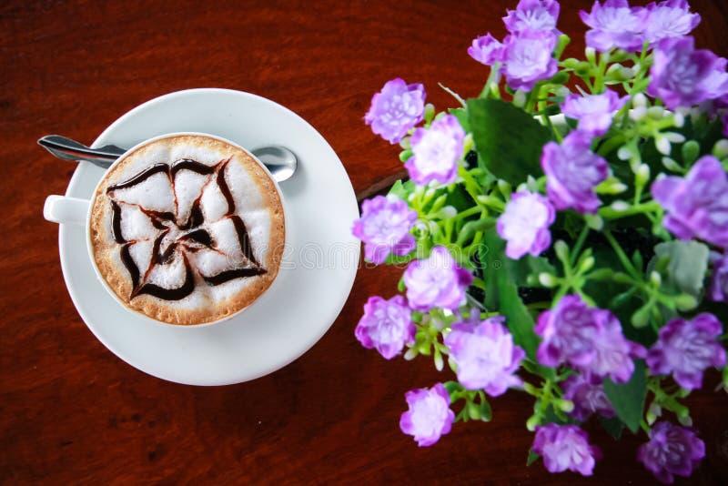 Café na tabela imagens de stock