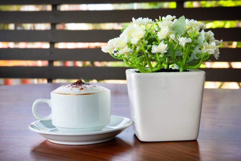 Café na tabela fotografia de stock
