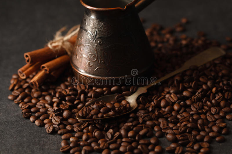 Café noir sur la table photo stock