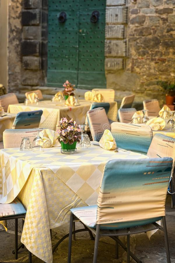 Café pequeno em Toscânia, Itália fotos de stock royalty free