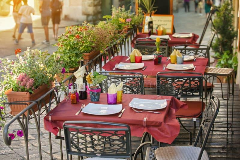 Café pequeno em Toscânia, Itália fotos de stock