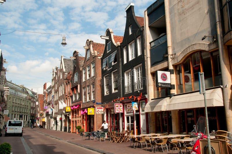 Café pequeno na rua de Amsterdão foto de stock