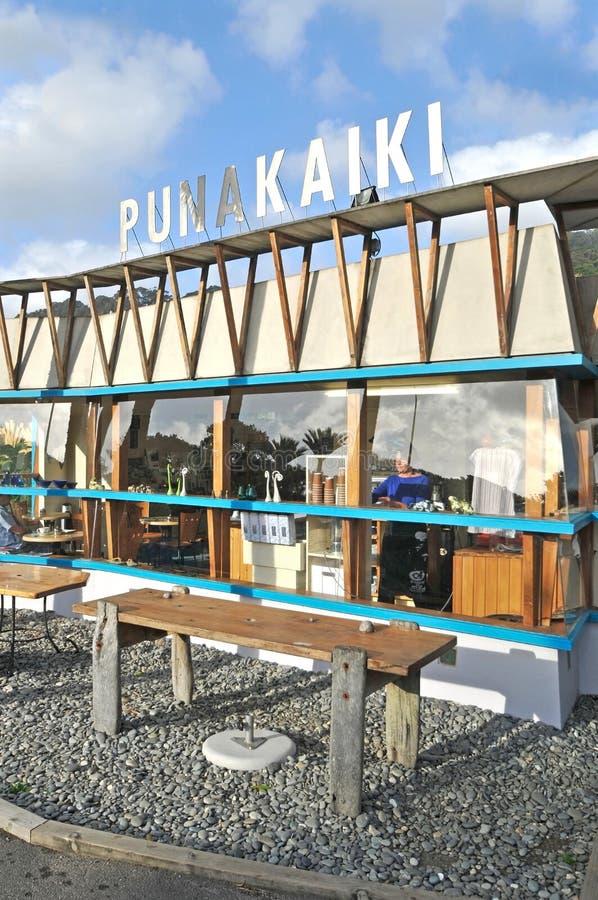 Café perto da rocha da panqueca, Punakaiki, Nova Zelândia imagem de stock