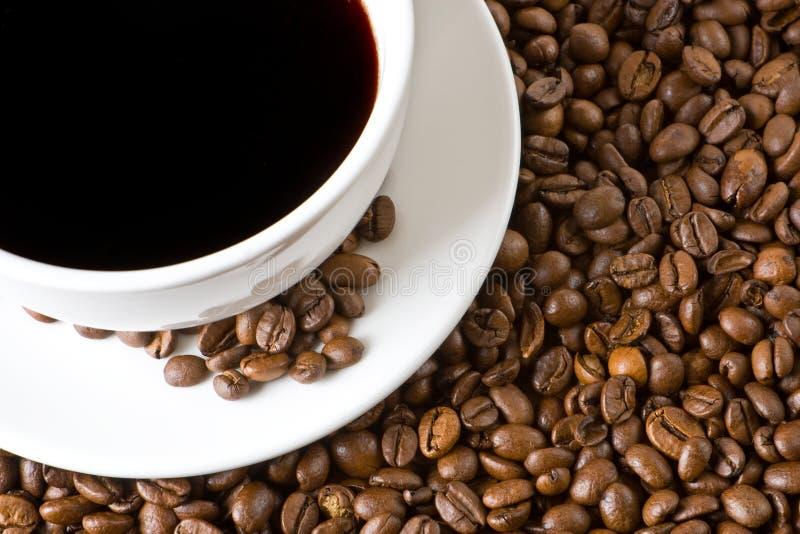 Café preto e feijões imagens de stock royalty free