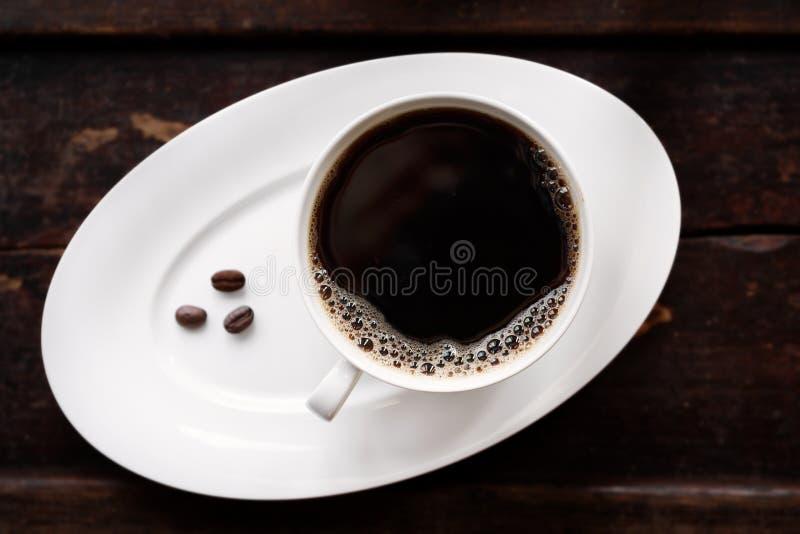 Café quente fresco com feijões Roasted fotografia de stock