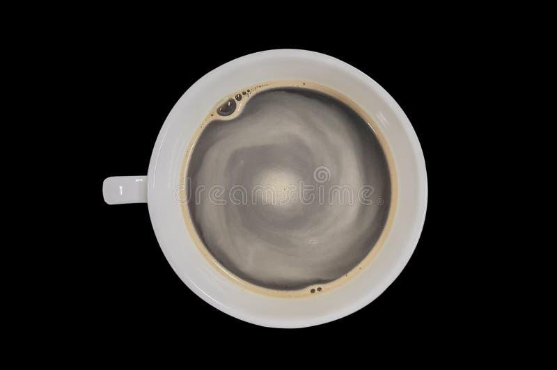 Café sólo, taza blanca en fondo negro imagenes de archivo