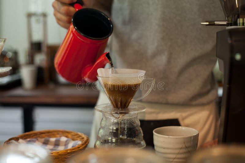 Café se renversant d'égouttement photos libres de droits