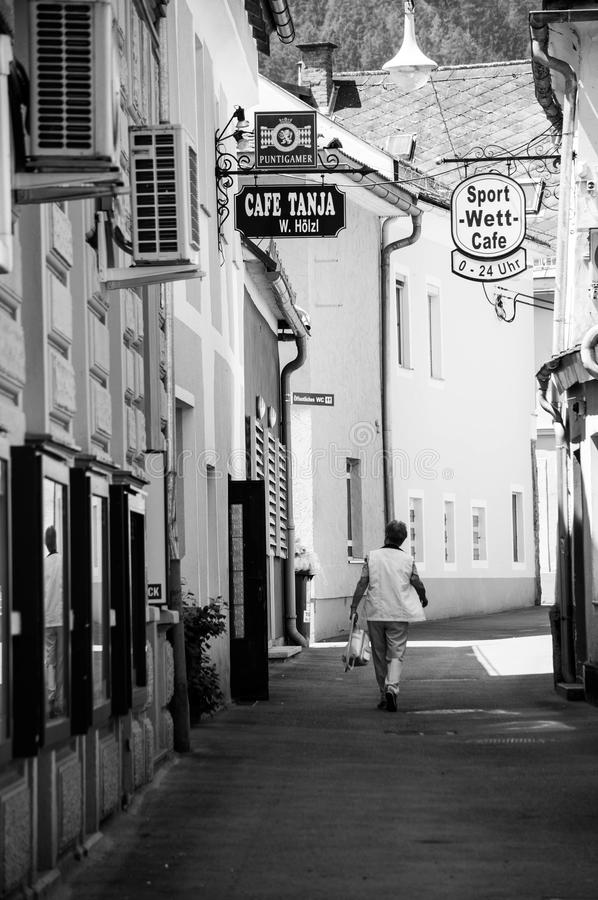 Café-Straße lizenzfreie stockbilder