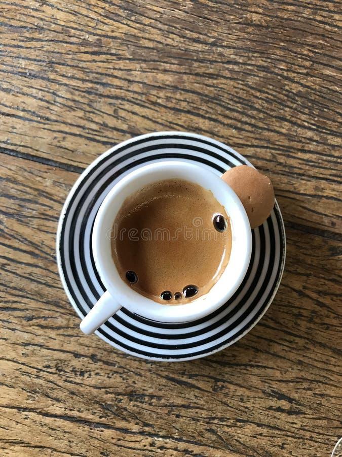 Café sur la table image libre de droits
