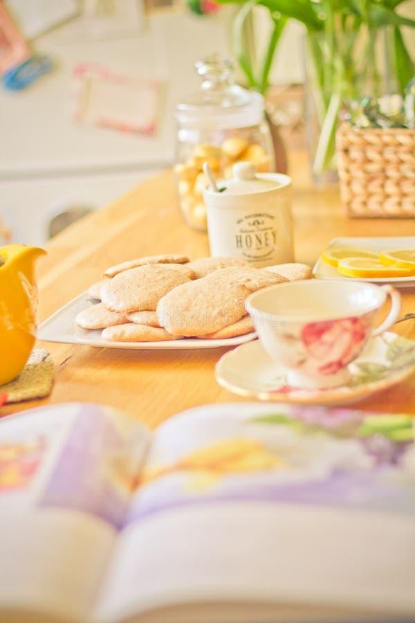 Café-tiempo por la mañana foto de archivo libre de regalías