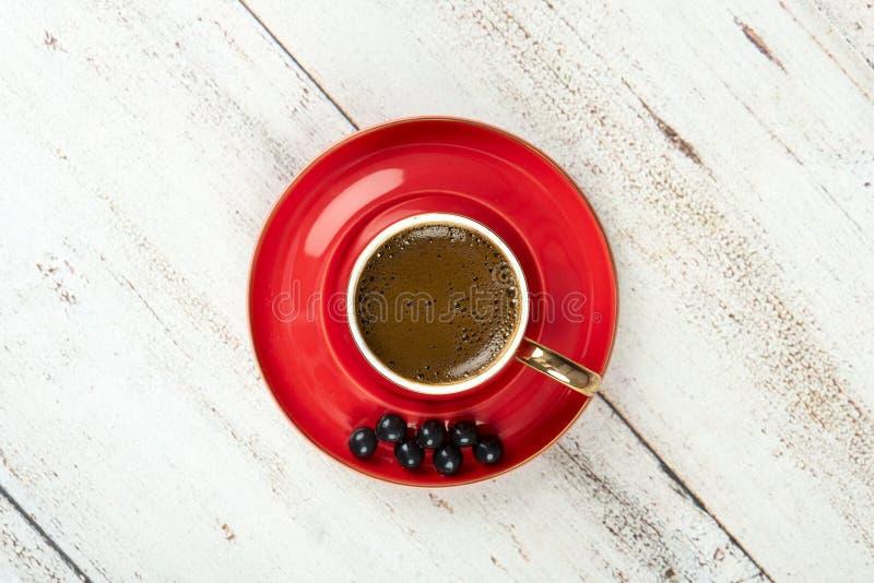 Café turc dans la tasse rouge image libre de droits