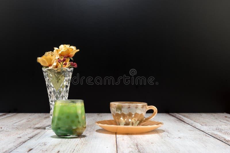 Café turc et jus de fruit images libres de droits