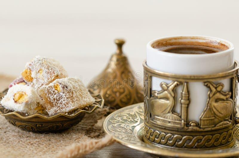 Café turco com loukoum imagem de stock