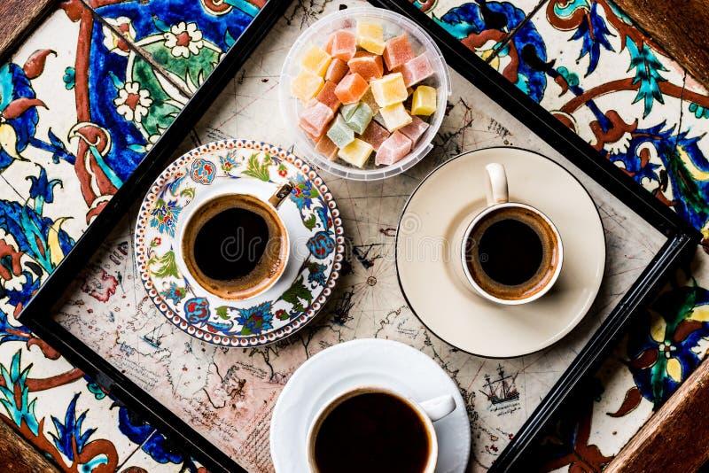 Café turco com loukoum Kus Lokumu fotografia de stock royalty free