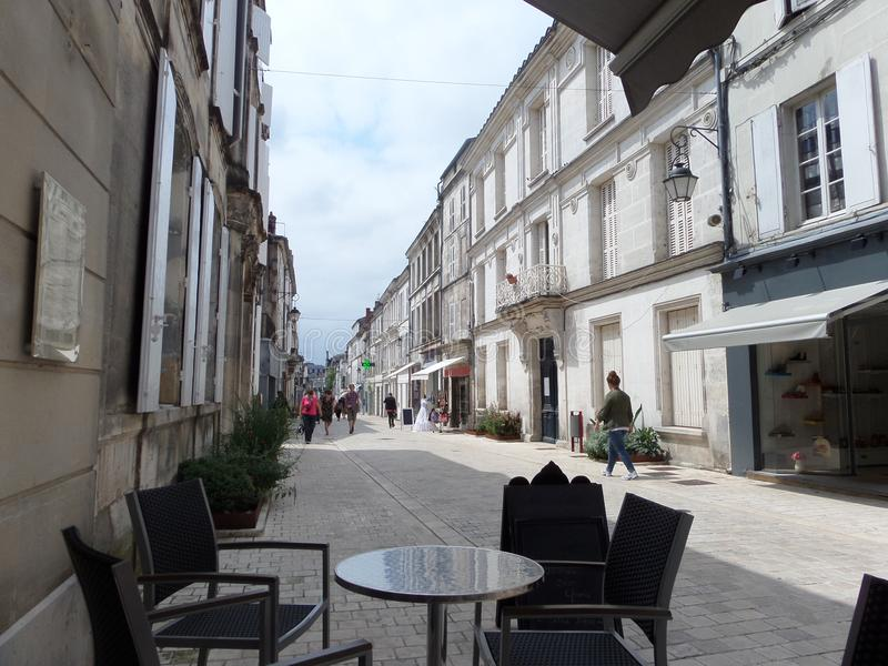 Café vide sur la rue photos libres de droits