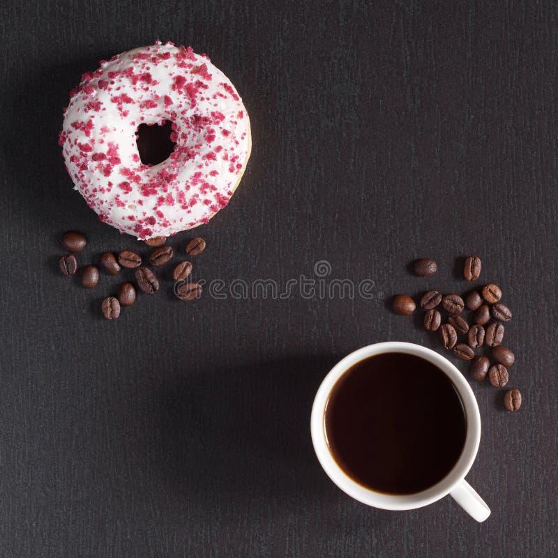 Café y buñuelo dulce fotos de archivo libres de regalías