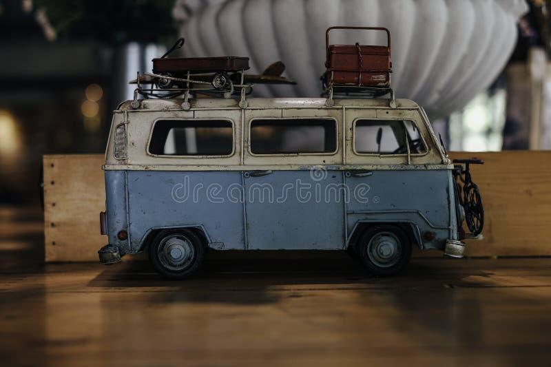 Café y coche imagen de archivo libre de regalías