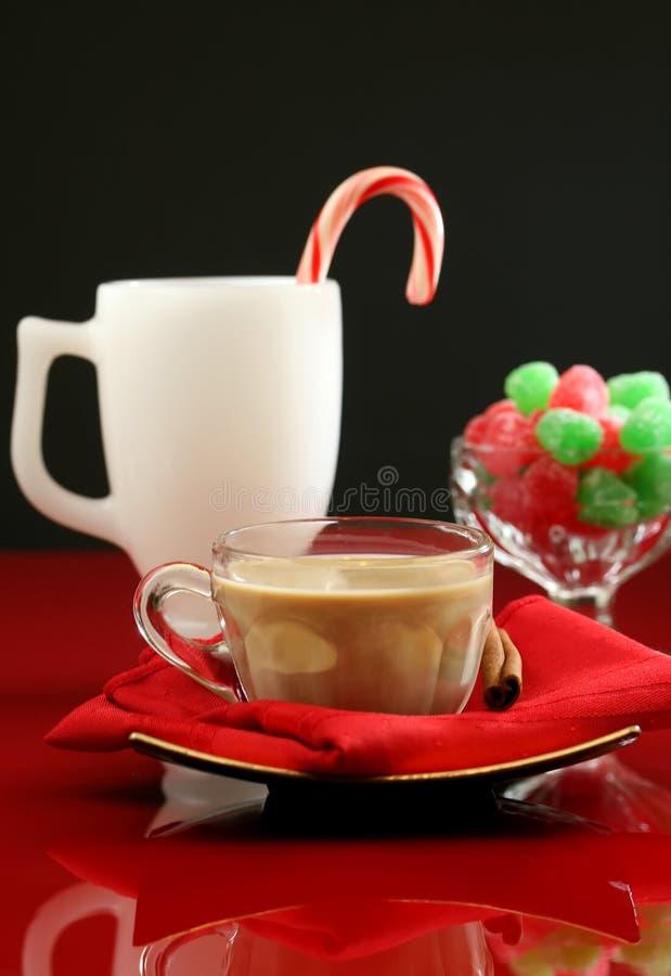 Café y cocteles de la Navidad fotos de archivo libres de regalías