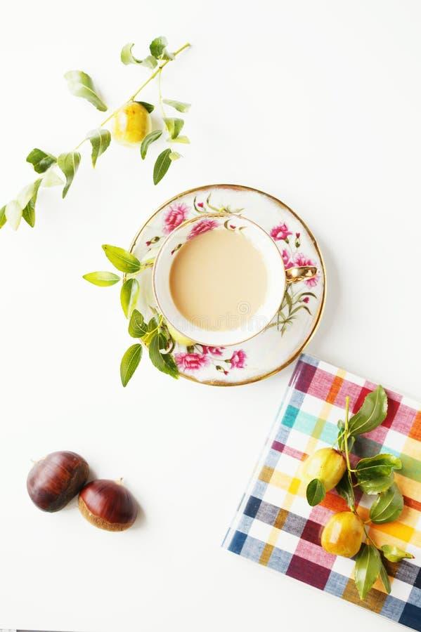 Café y frutas imagen de archivo libre de regalías