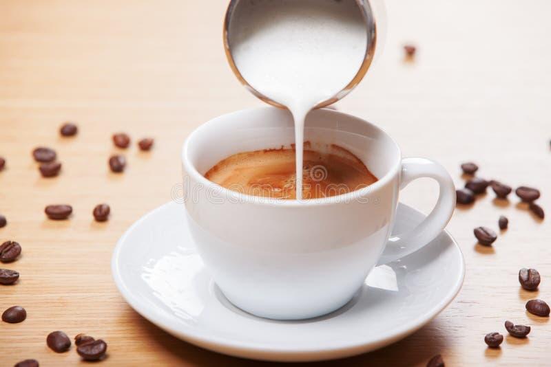 Café y leche foto de archivo