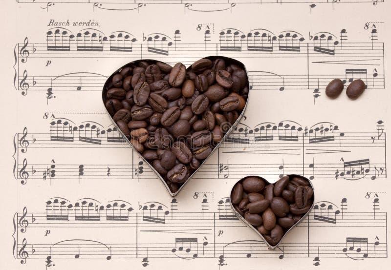Café y música - todavía vida fotografía de archivo