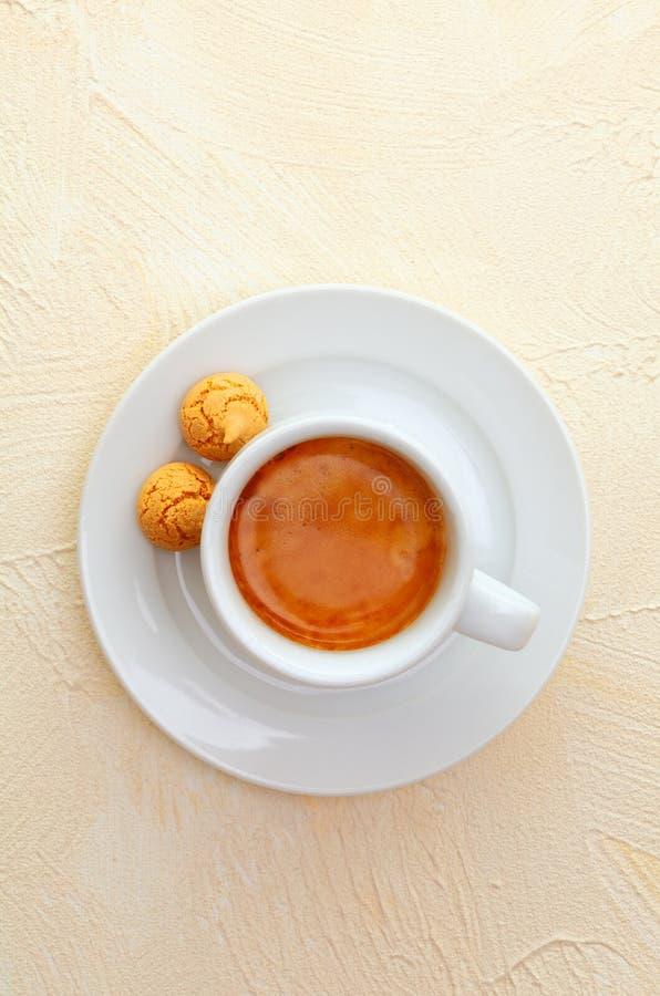 Café y macarrones del café express