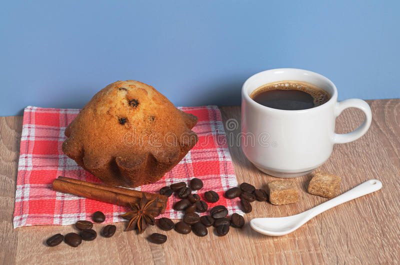 Café y magdalena fotos de archivo