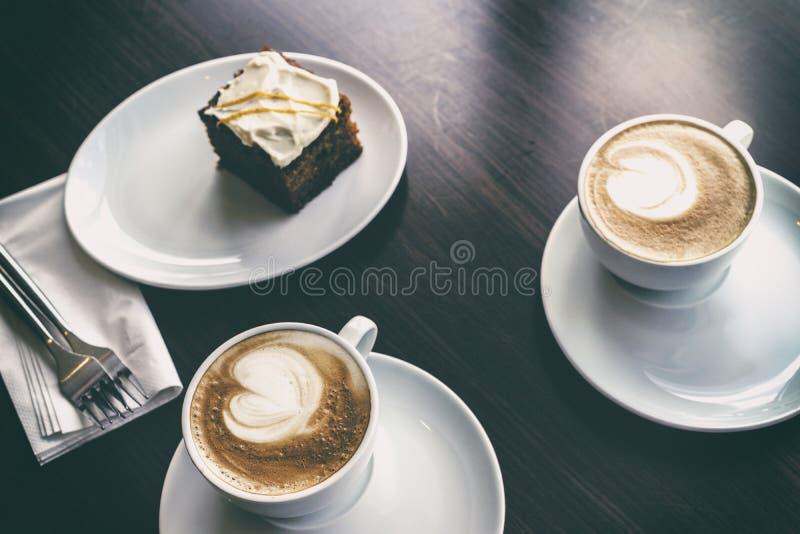 Café y torta fotos de archivo libres de regalías