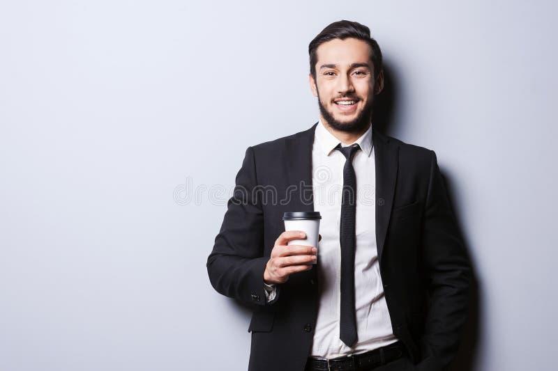 Caféine pour charger avant le travail photographie stock libre de droits