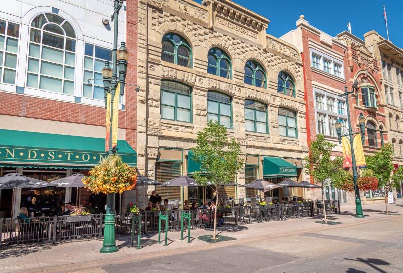 Cafés entlang Stephen Avenue in Calgary lizenzfreies stockfoto