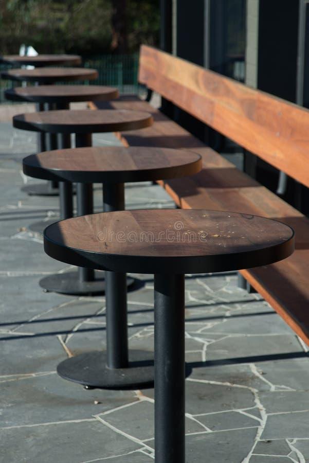 Cafétischplatten stockfoto