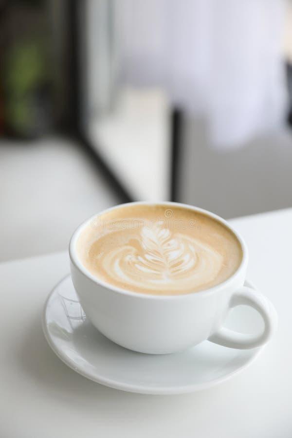 Caf? d'art de cappuccino ou de latte photos libres de droits